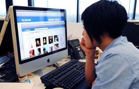 Why Your Employees Should Be On Facebook At Work